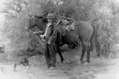 Albert-Cragg-with-his-horse-in-Winton